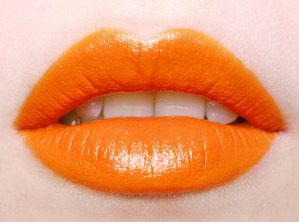 Lippenstift orange